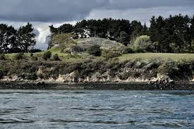 Gulf of Morbihan. Opening of the cairns of Gavrinis and Petit Mont